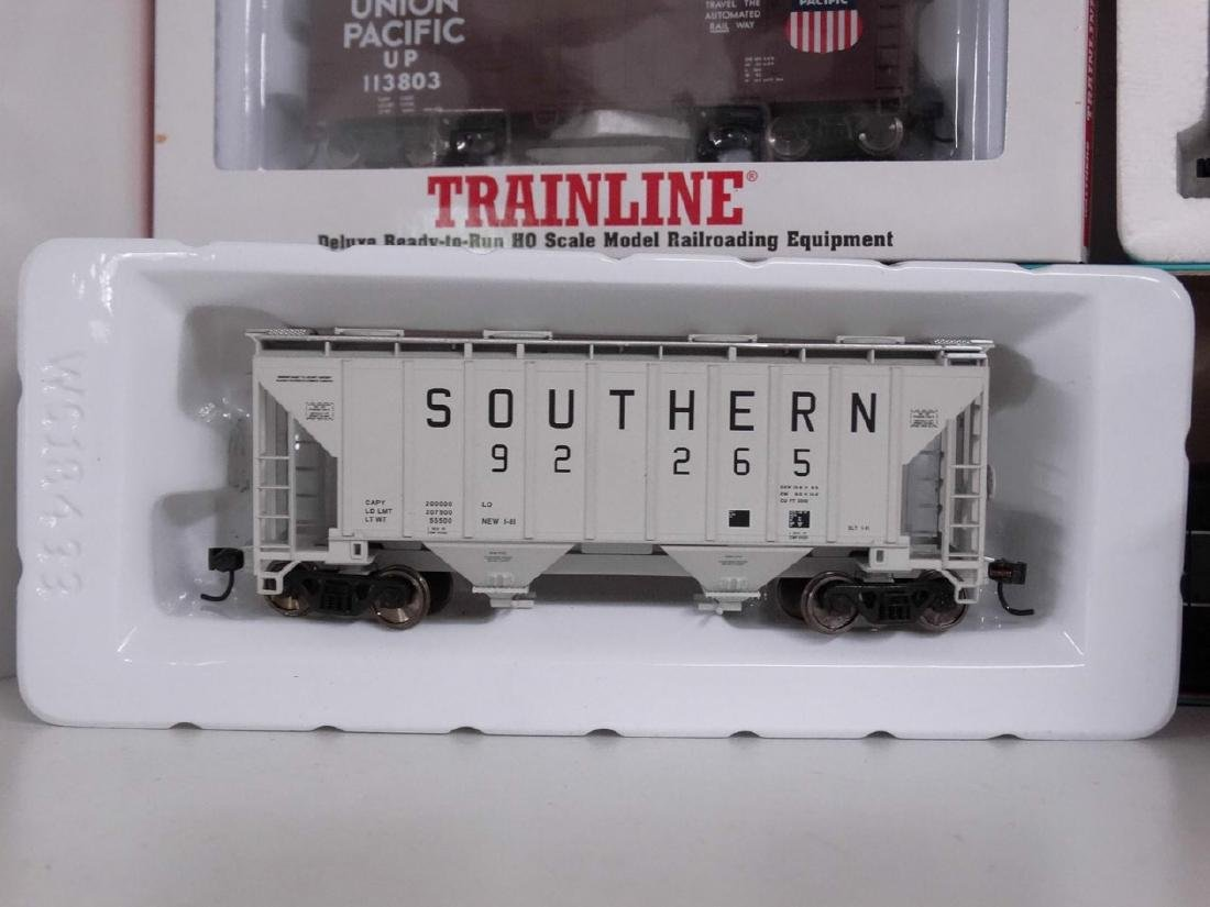 HO Scale Model Train Lot - 8