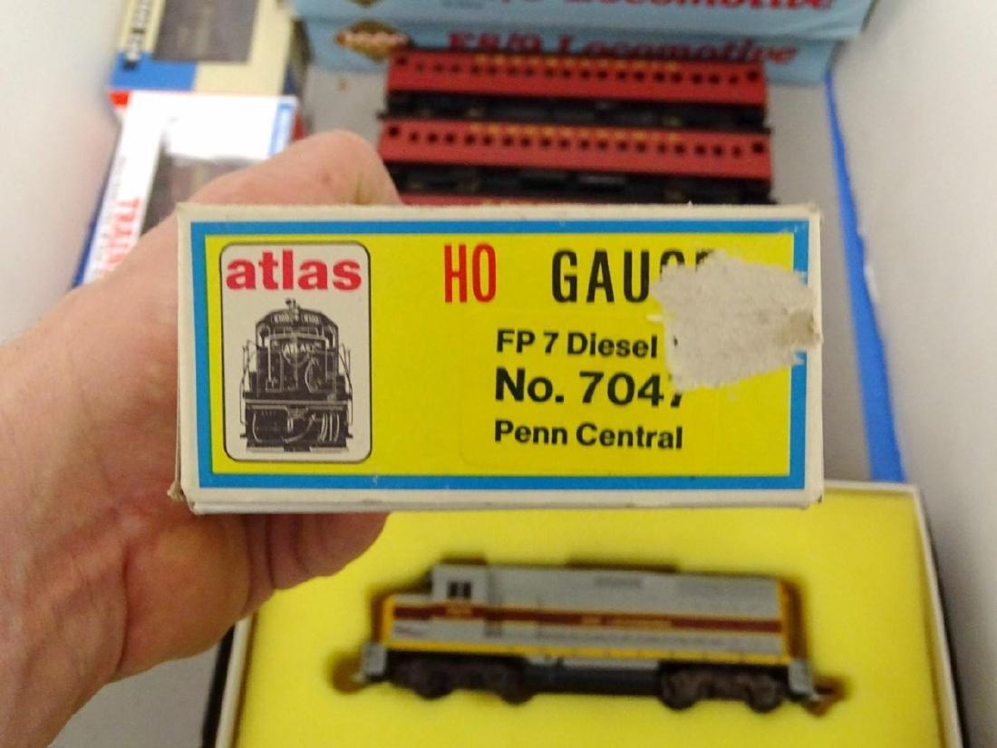 HO Scale Model Train Lot - 5