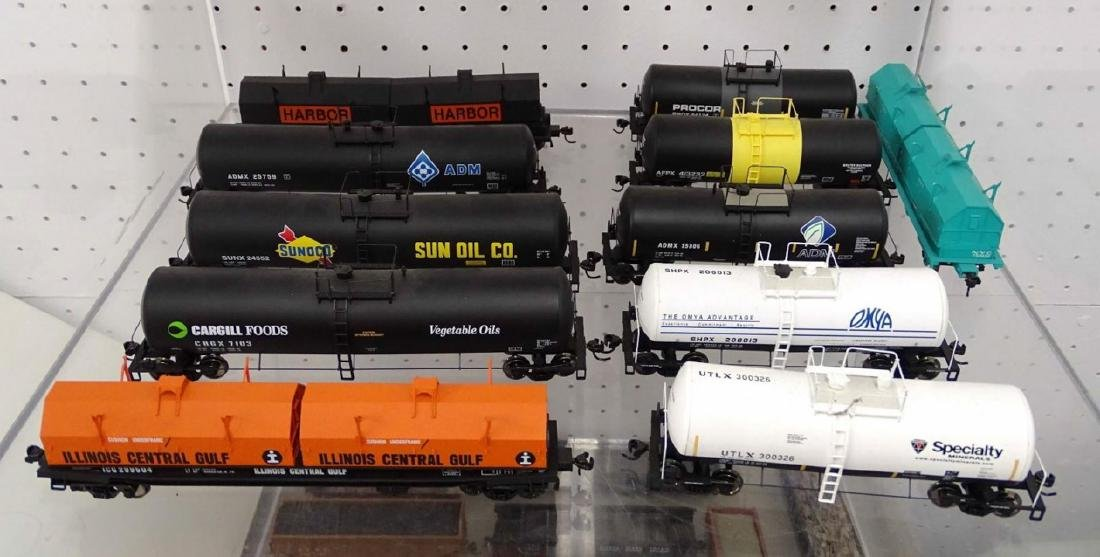 HO Scale Model Train Lot - 4