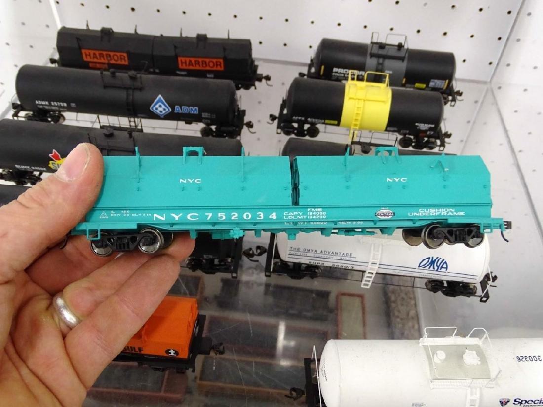 HO Scale Model Train Lot - 6