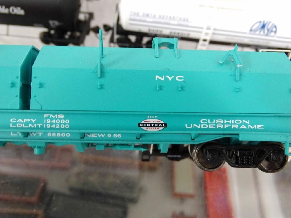 HO Scale Model Train Lot - 7