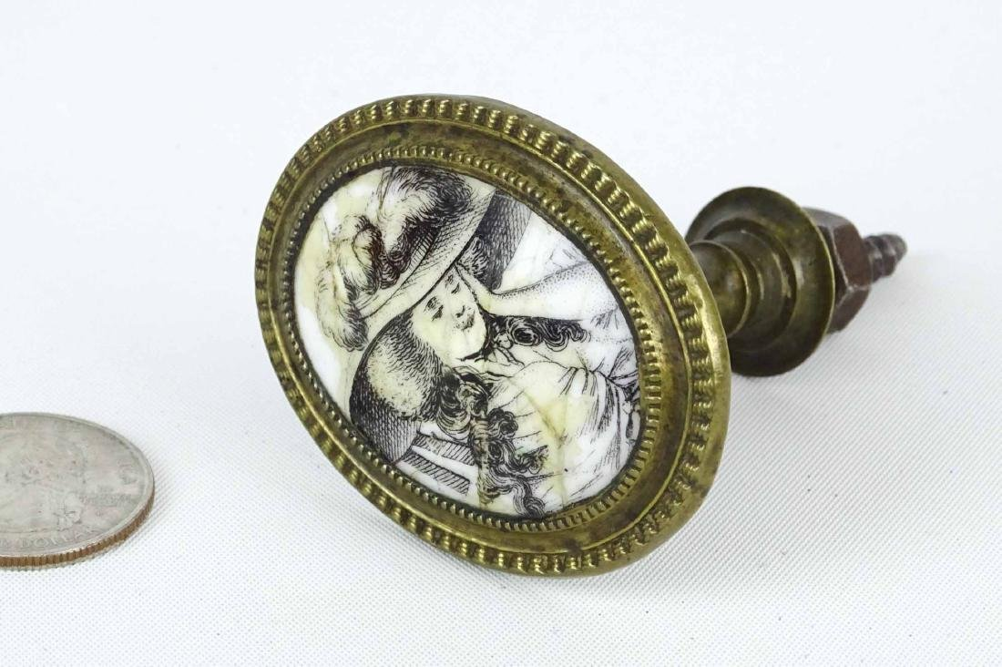 18th c. Enameled Knob