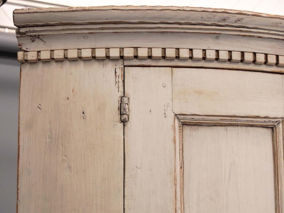 19th c. French Barrel Back Corner Cupboard - 2
