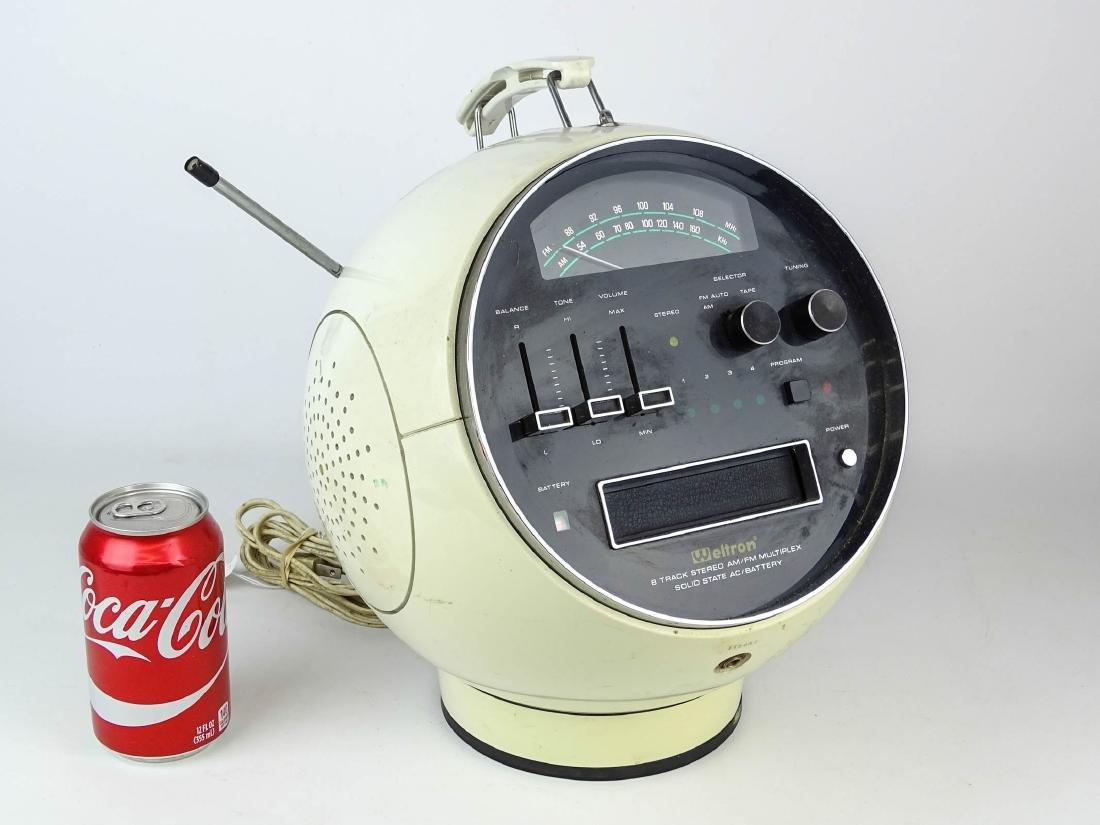 Vintage Weltron 8 Track Radio