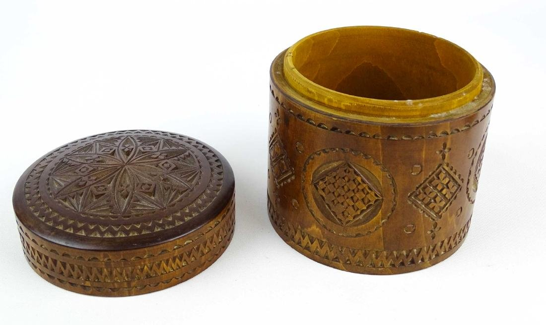 19th c. Carved Wooden Container - 5