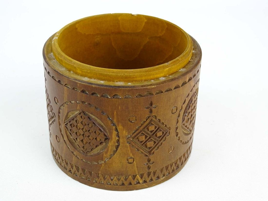 19th c. Carved Wooden Container - 7