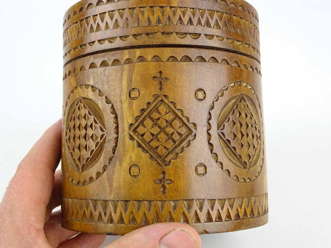 19th c. Carved Wooden Container - 9
