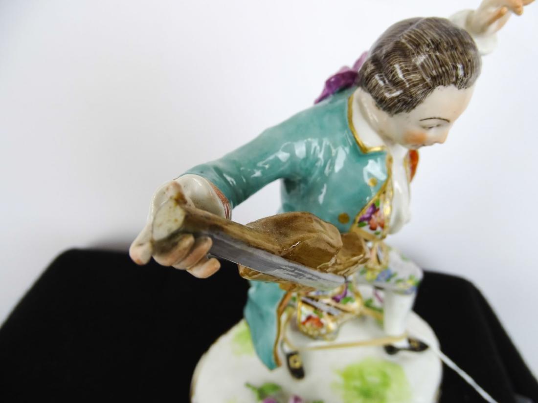 Figurines - 8