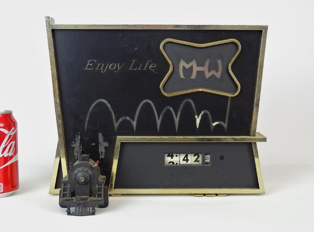 M-W Clock