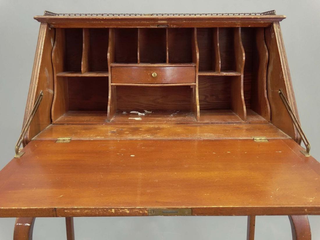 Victorian Desk - 3