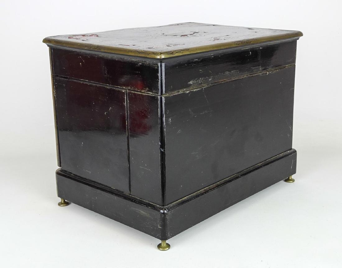 19th c. French Liquor Cabinet - 4