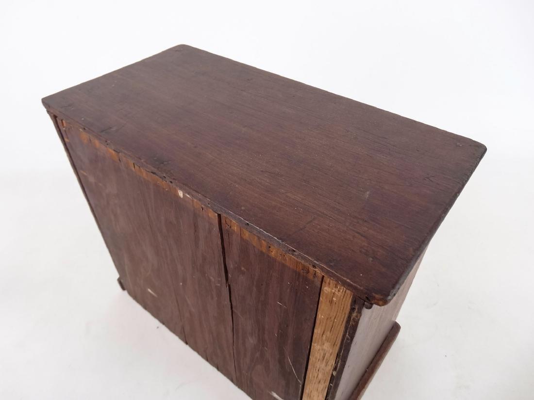 Early Doll's Dresser - 4