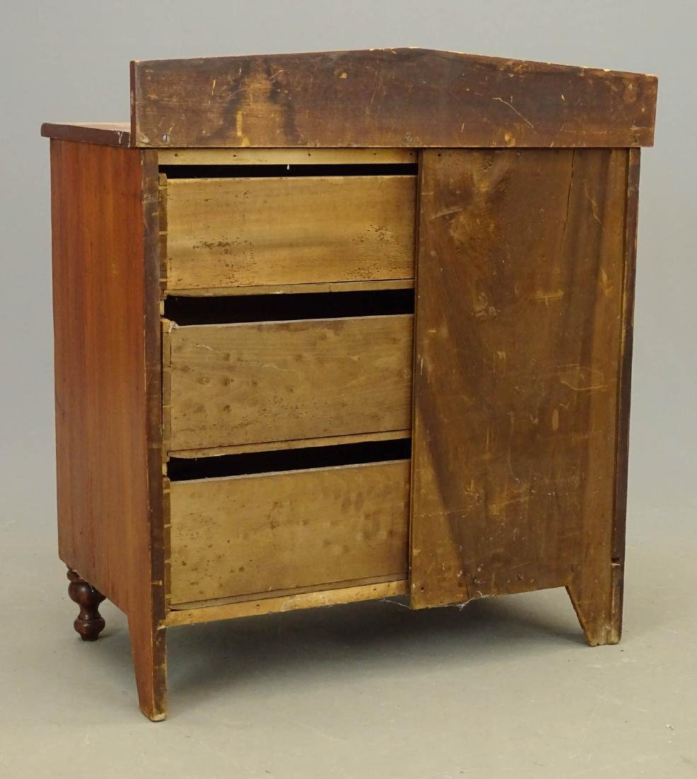 19th c. Pine Chest Of Drawers - 4