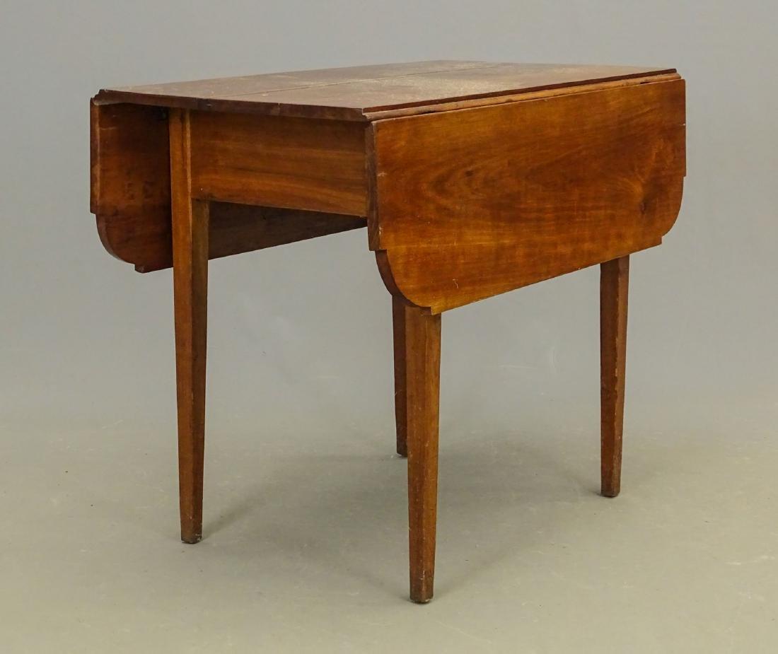 19th c. Dropleaf Table - 4