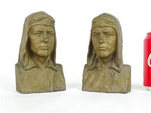 Pair Lindy Bookends