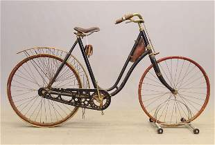 C. 1900 Crescent Model 32 Pneumatic Safety