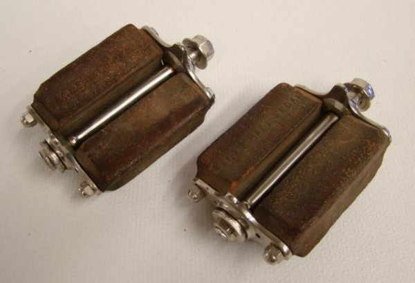 Pair Rare Eagle Highwheel Pedals