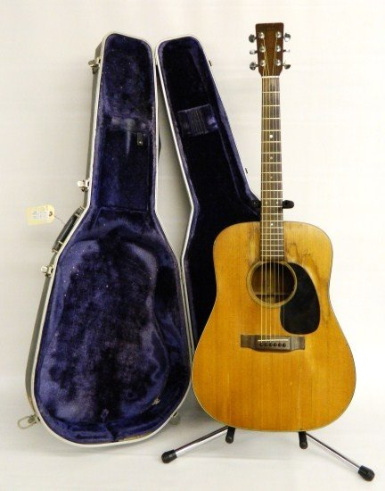 8: Martin D 18 Guitar