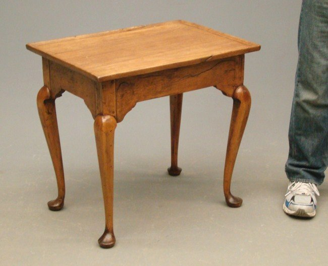 19: 18th c. Queen Anne Tea Table