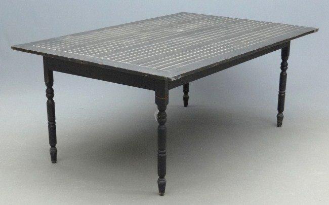 11: Farm Table