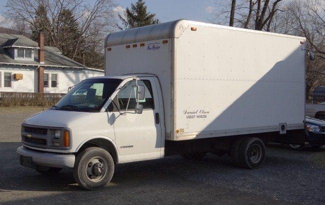 1: 2001 Chevy 14' Box Truck