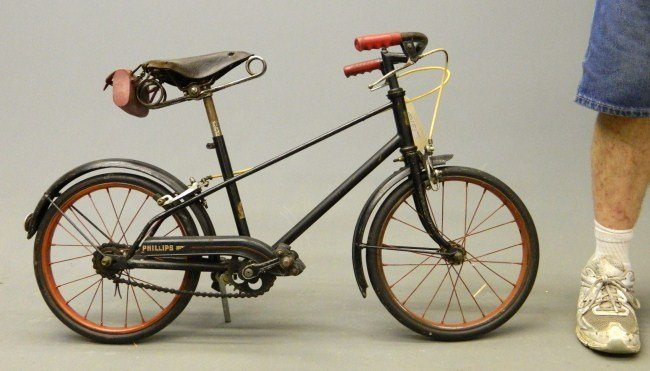 7: Phillips Youth Light Weight Bicycle