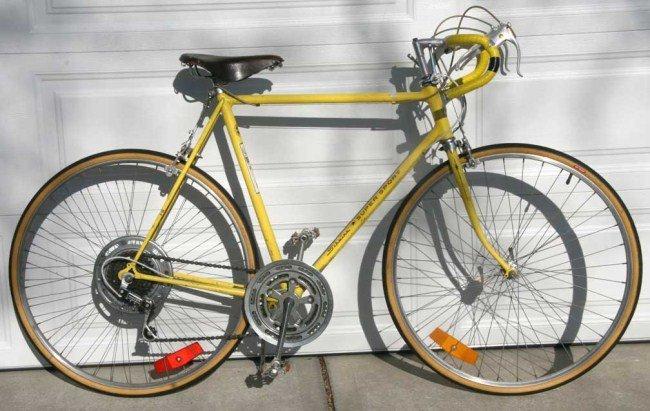 149: 1970's Schwinn Super Sport 10 speed men's bicycle