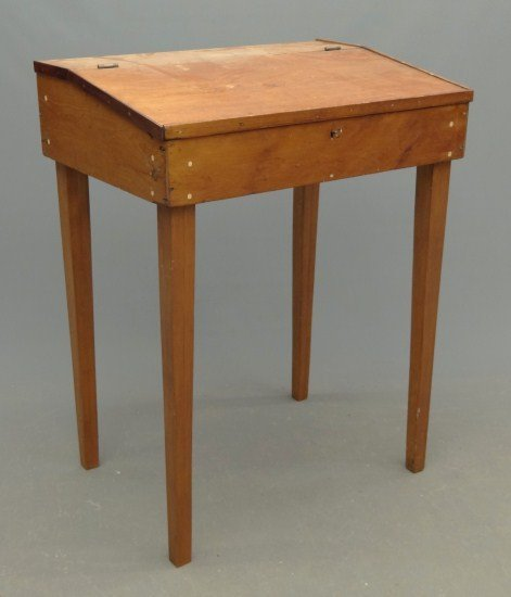 22: Primitive Desk
