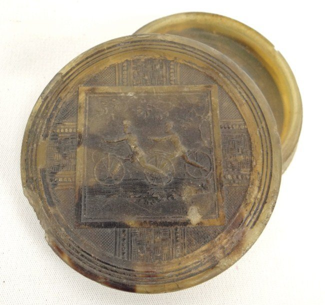 18: C. 1820 Horn Snuff Box
