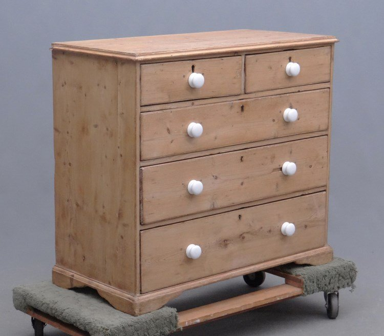 Scrubbed Pine Chest Of Drawers