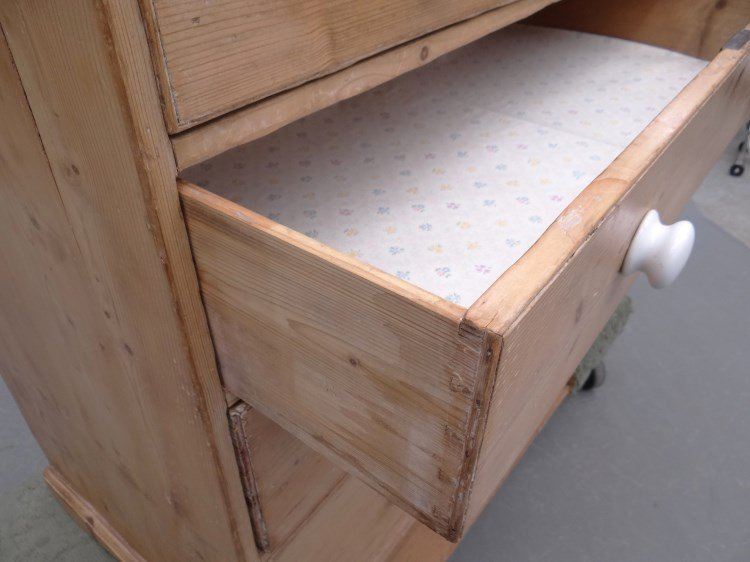 Scrubbed Pine Chest Of Drawers - 3