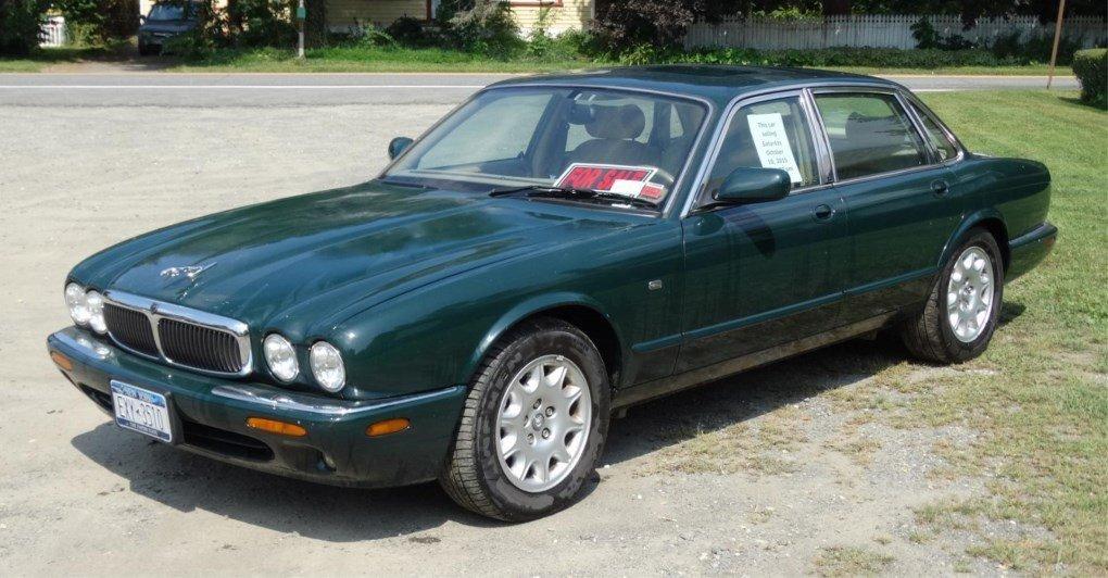 1999 Jaguar Automobile