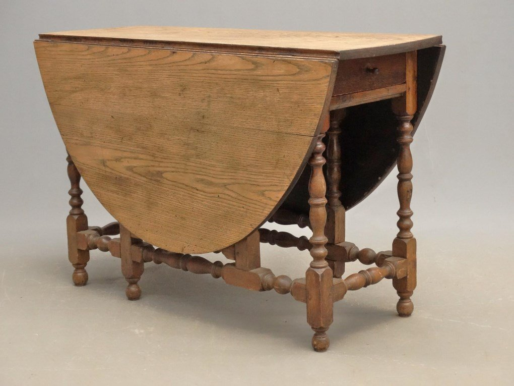18th c. Mass. Gateleg Table
