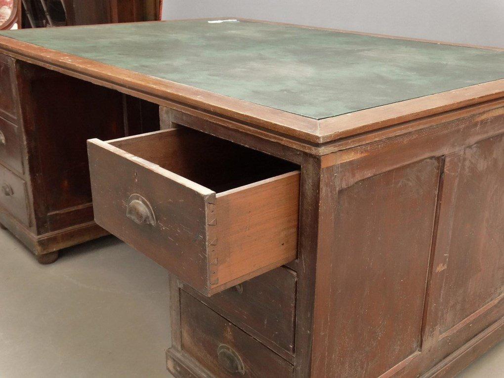 Partners Desk - 3