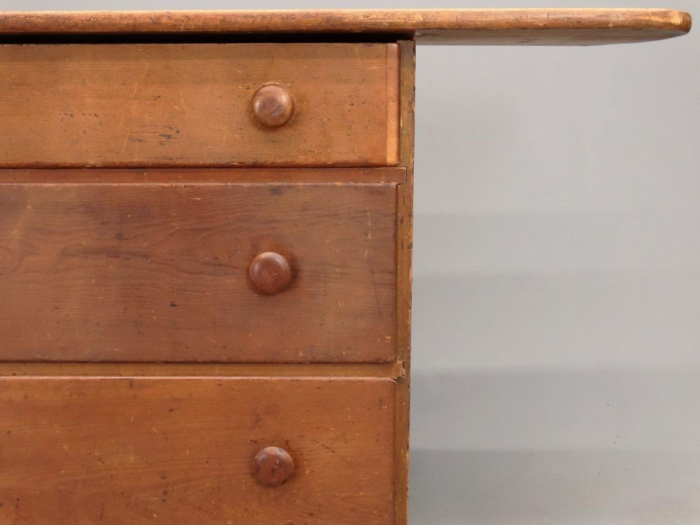 19th c. Shaker Tailoring Counter - 6