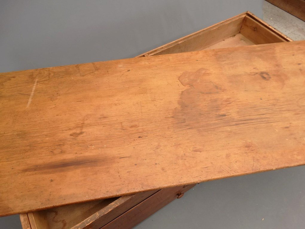 19th c. Shaker Tailoring Counter - 9