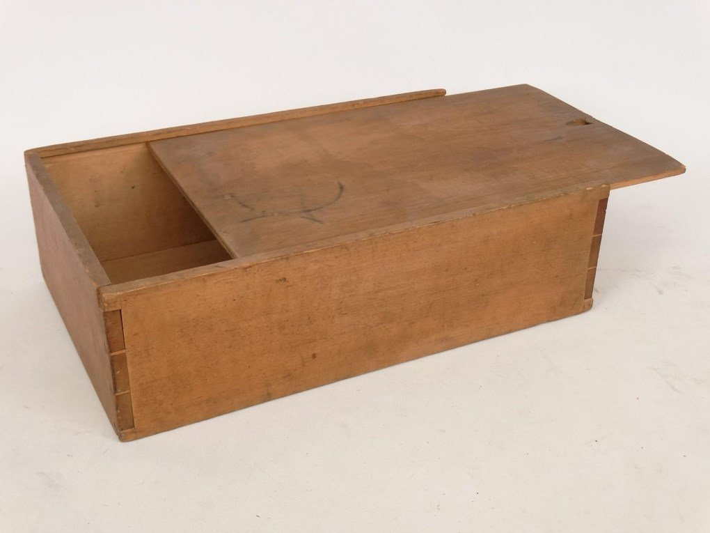 19th c. Shaker Slide Lid Box - 2