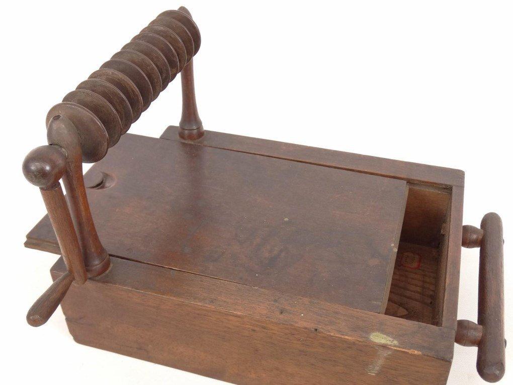19th c. Shaker Tape Winder - 2