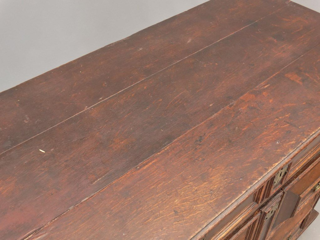 18th c. English Chest of Drawers - 2
