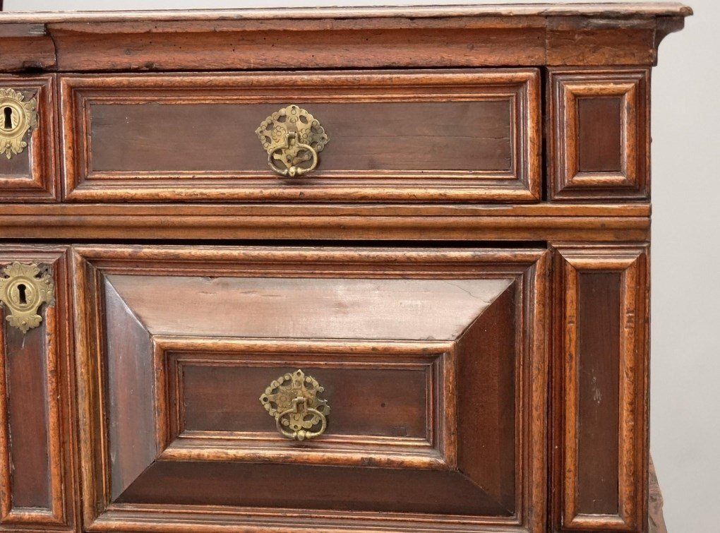 18th c. English Chest of Drawers - 4