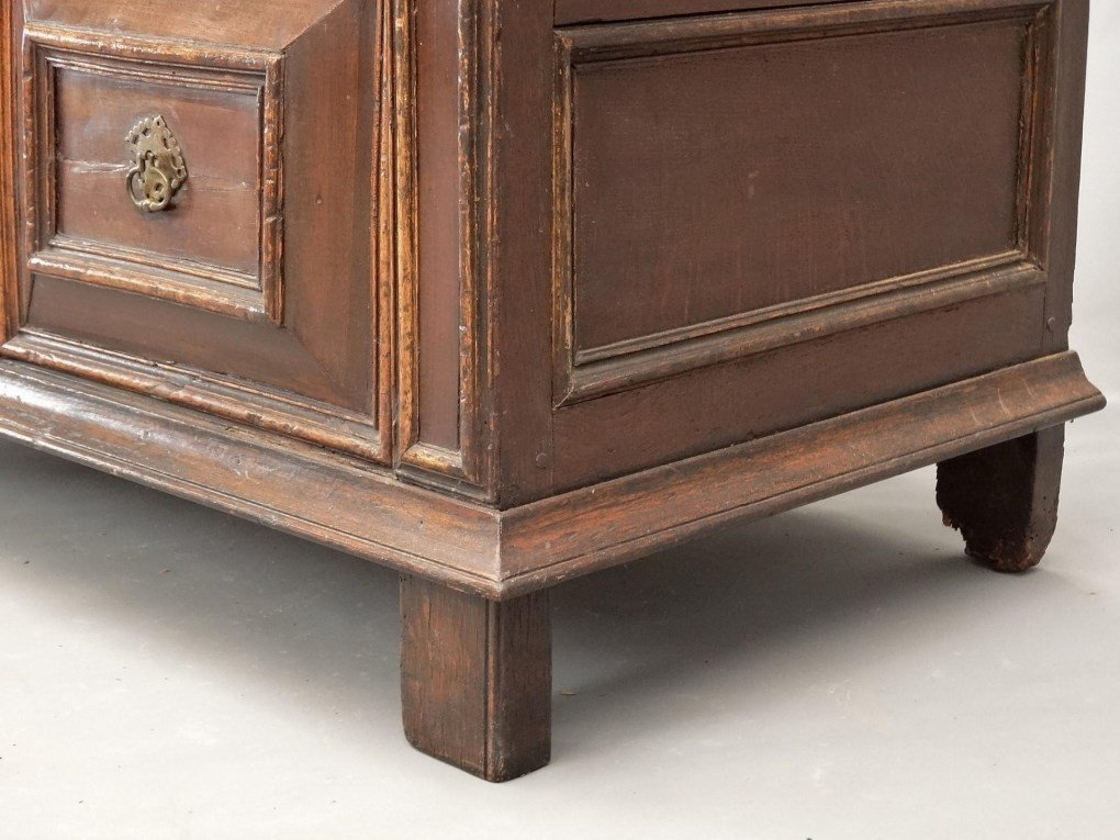 18th c. English Chest of Drawers - 6