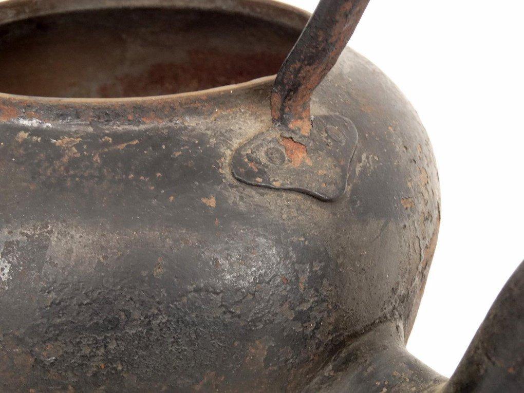 18th c. Gooseneck Teapot - 6