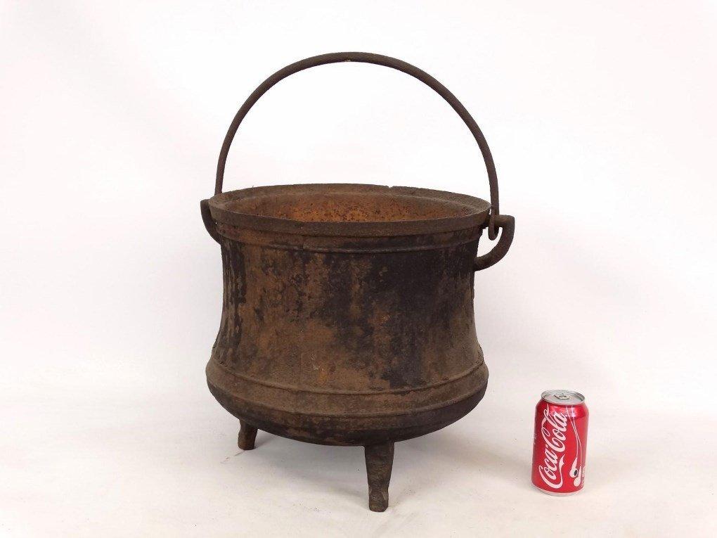 18th c. Swing Handle Pot - 2
