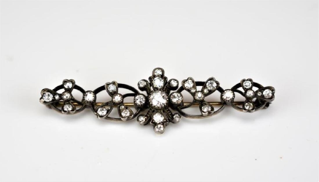 ANTIQUE DIAMOND AND GOLD BAR BROOCH
