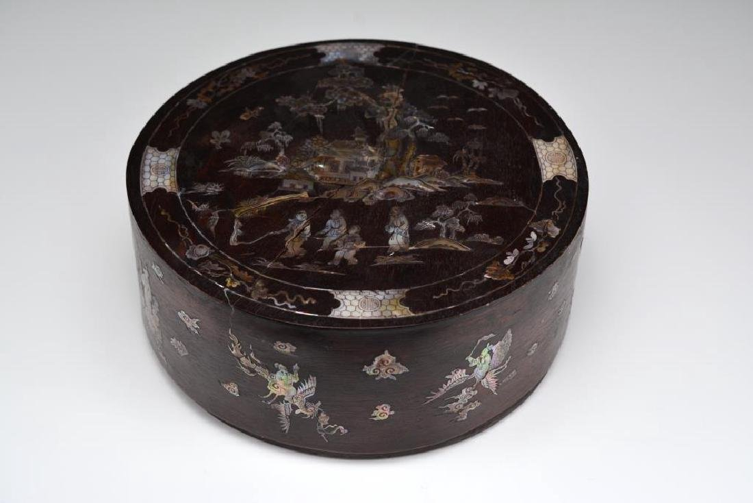 CIRCULAR WOODEN BOX WITH MOTHER OF PEARL INLAYS