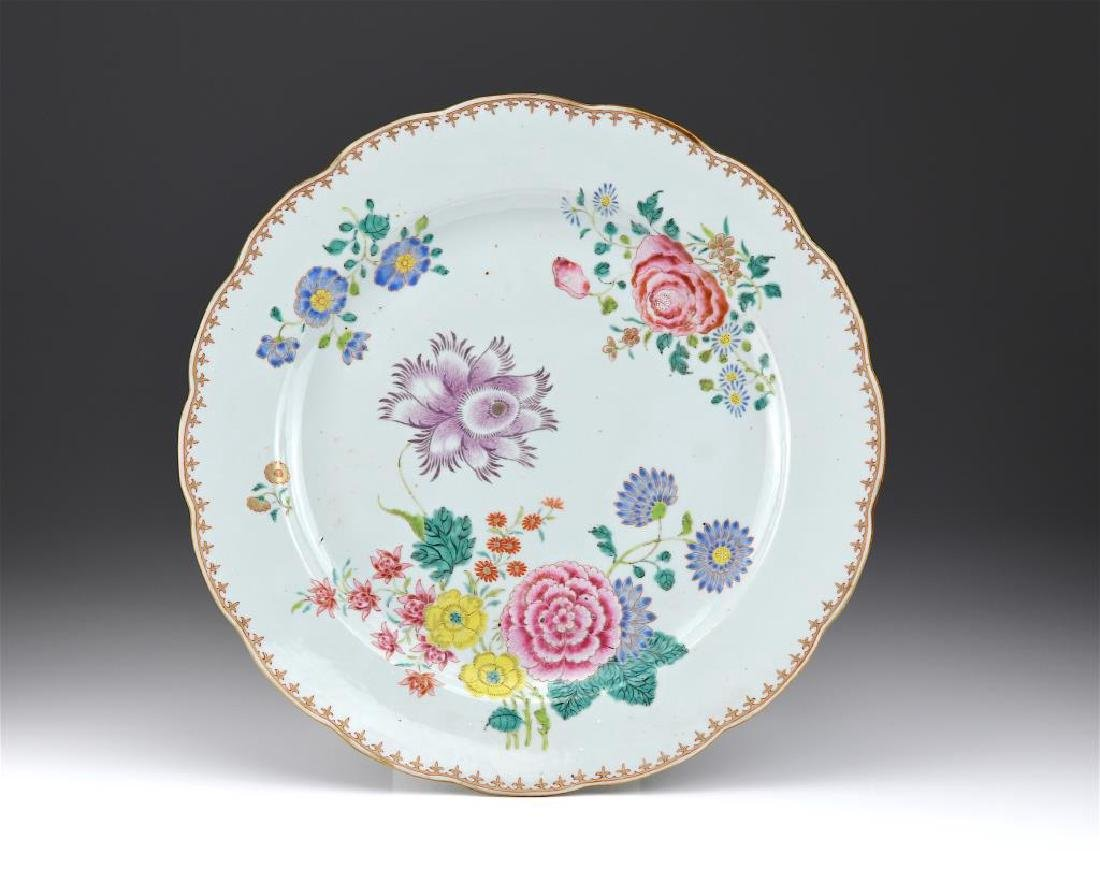 CHINESE EXPORT FAMILLE ROSE PORCELAIN CHARGER
