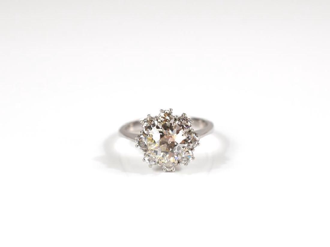 18k white gold diamond solitaire cluster ring