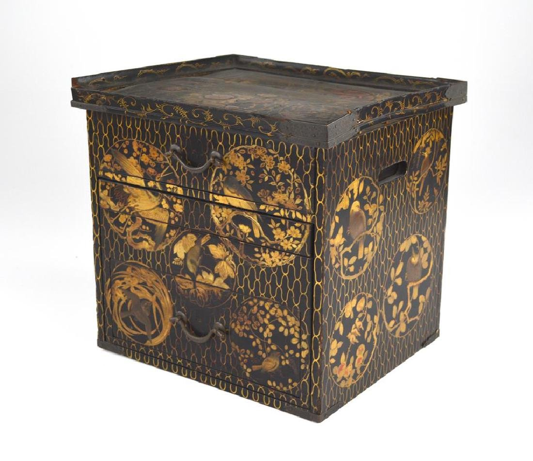 JAPANESE LACQUER CHEST OF DRAWERS