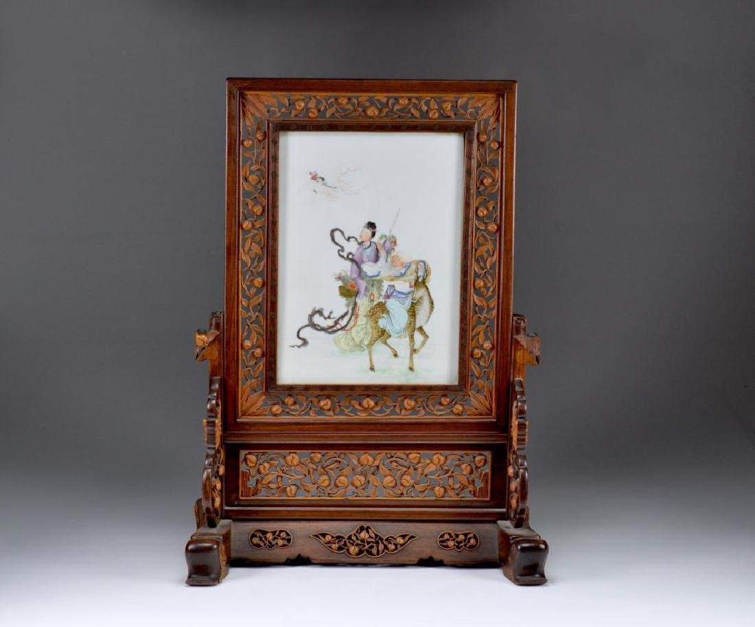 CHINESE FAMILLE ROSE PORCELAIN TABLE SCREEN