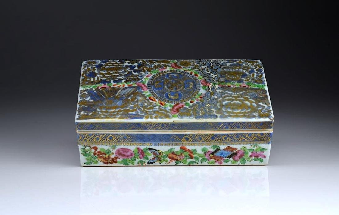 CHINESE EXPORT FAMILLE ROSE PORCELAIN PEN BOX